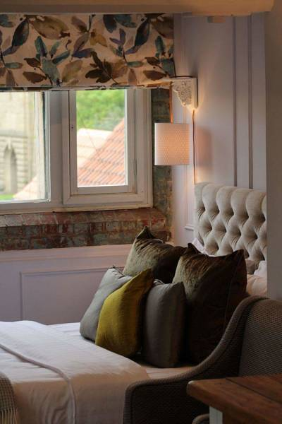 Junior Suite - Luxury Rooms | The Castle Hotel Lincoln
