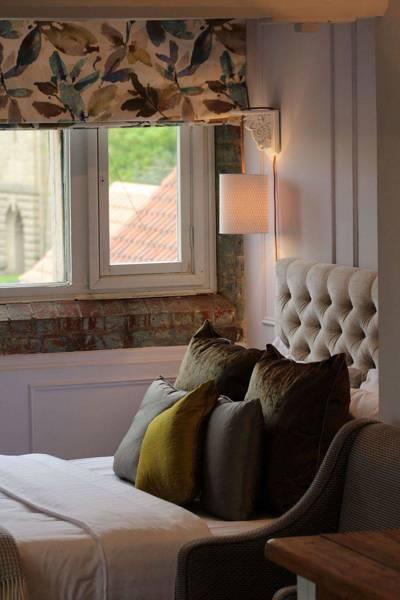 Junior Suite - Luxury Rooms | The Castle Hotel Lincoln